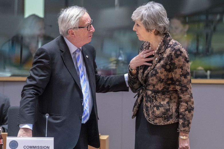 Jean-Claude Juncker et Theresa May lors du Conseil européen des 13 et 14 décembre 2018