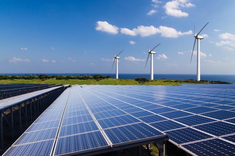 Panneaux photovoltaïques et éoliennes