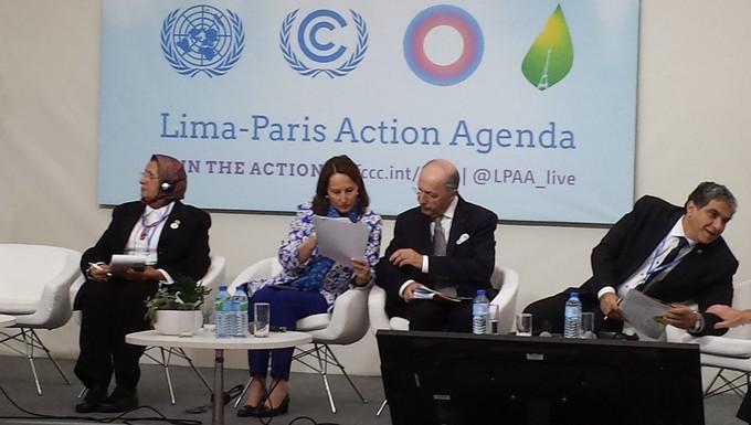 Ségolène Royal et Laurent Fabius à la COP21, le 7 décembre 2015
