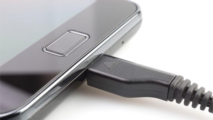 Chargeur téléphone portable universel