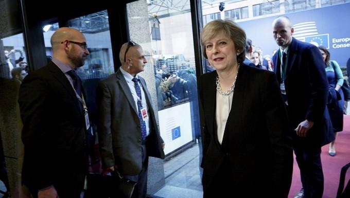Theresa May, arrivant au Conseil européen, le 15 décembre 2016