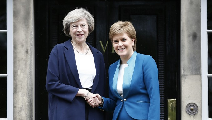 Theresa May et Nicola Sturgeon