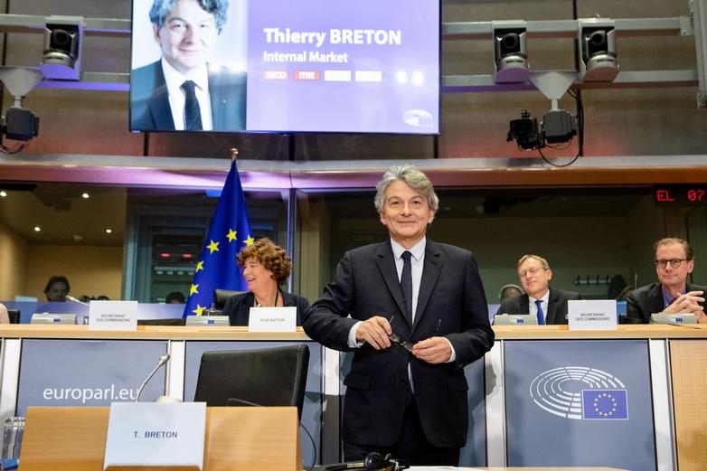 Thierry Breton, après son audition face aux commissions du marché intérieur et de l'industrie du Parlement européen, le 14 novembre - Crédits : Lukasz Kobus / Commission européenne