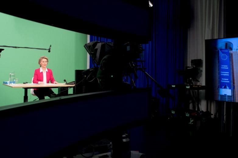 La présidente de la Commission européenne, Ursula von der Leyen, a animé la vidéo-conférence qui réunissait les dirigeants contribuant au fonds international pour la lutte contre le Covid-19 - Crédits : Etienne Ansotte / Commission européenne