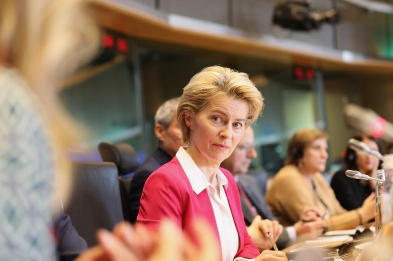 La future présidente de la Commission européenne Ursula von der Leyen, lors d'une réunion avec les eurodéputés du groupe Renew Europe, mercredi 13 novembre 2019 - Crédits : Renew Europe / Flickr CC BY-ND 2.0