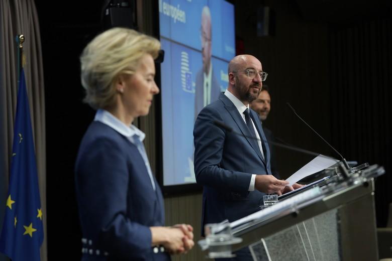 La présidente de la Commission Ursula von der Leyen et le président du Conseil européen Charles Michel à l'issue du sommet du jeudi 23 avril - Crédits : Union européenne