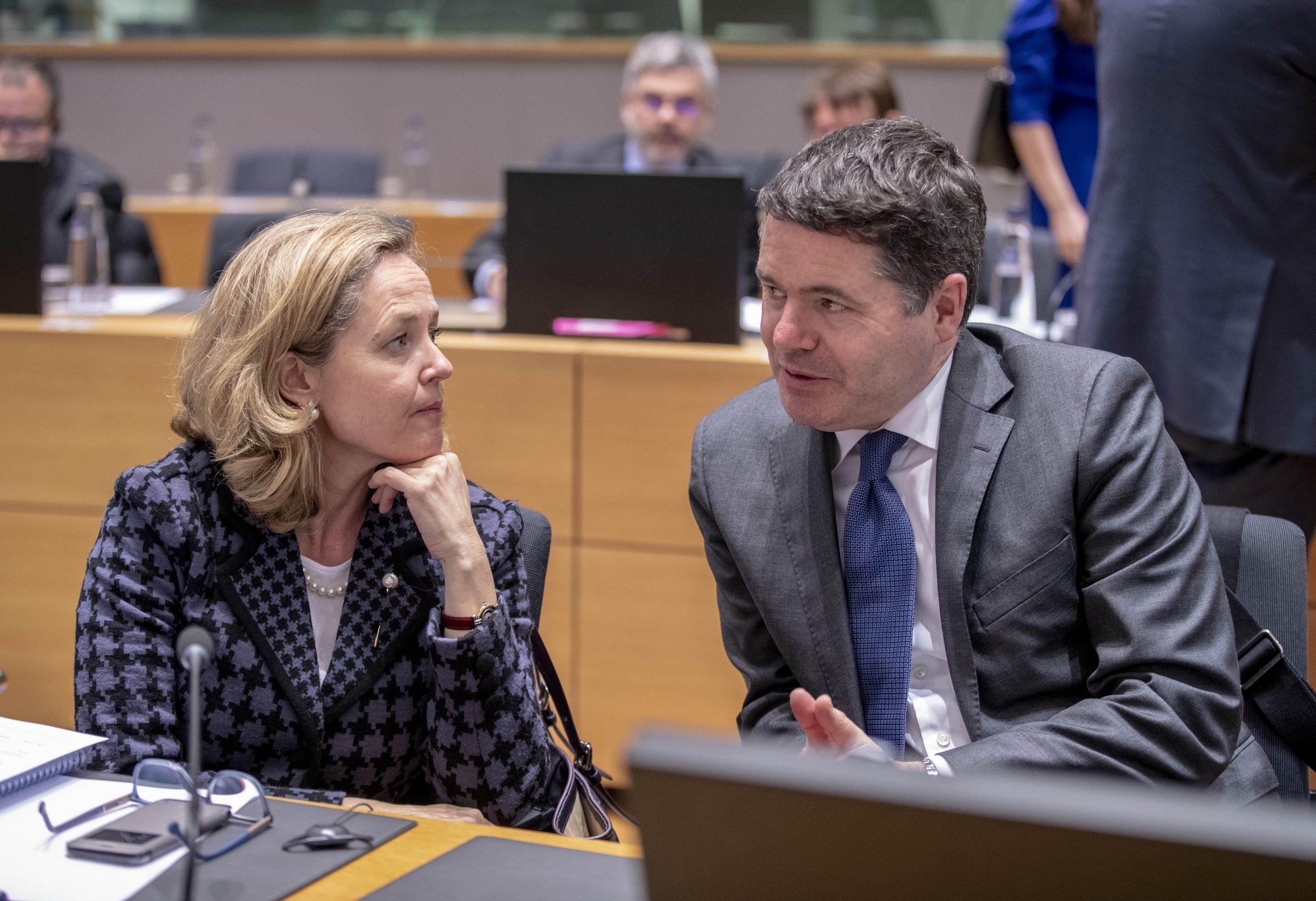 Le ministre des Finances Paschal Donohoe (Irlande) préside les réunions de l'Eurogroupe depuis le 13 juillet 2020 pour deux ans et demi. Il a été élu face à Nadia Calviño (Espagne). Ici, les deux ministres lors d'une réunion en mars 2019