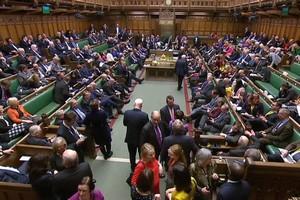 Les parlementaires dans la Chambre des communes - crédits : Parlement britannique (capture d'écran)