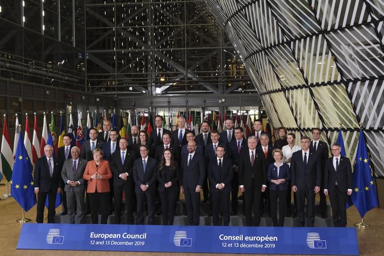 Photo de famille des dirigeants européens lors du Conseil européen des 12 et 13 décembre - Crédits : Union européenne
