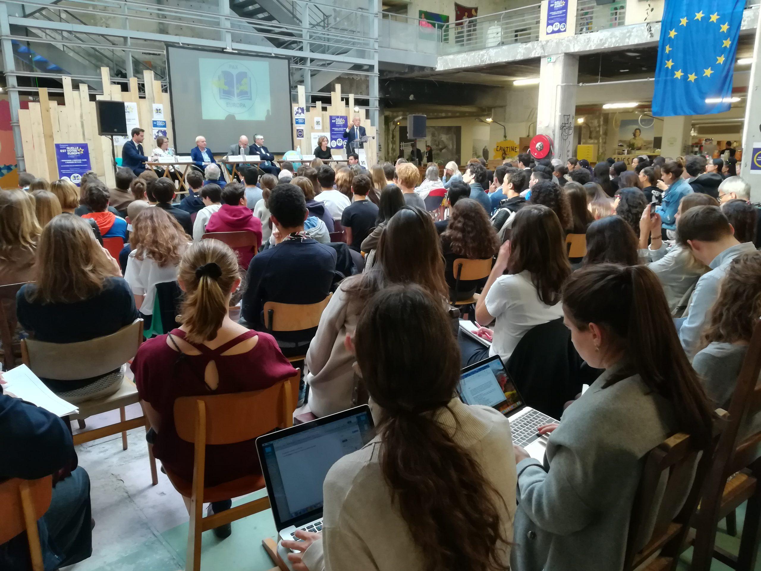 Les élèves de trois lycées ont parlé d'Europe avec des historiens - Crédits : Marie Guitton / Toute l'Europe
