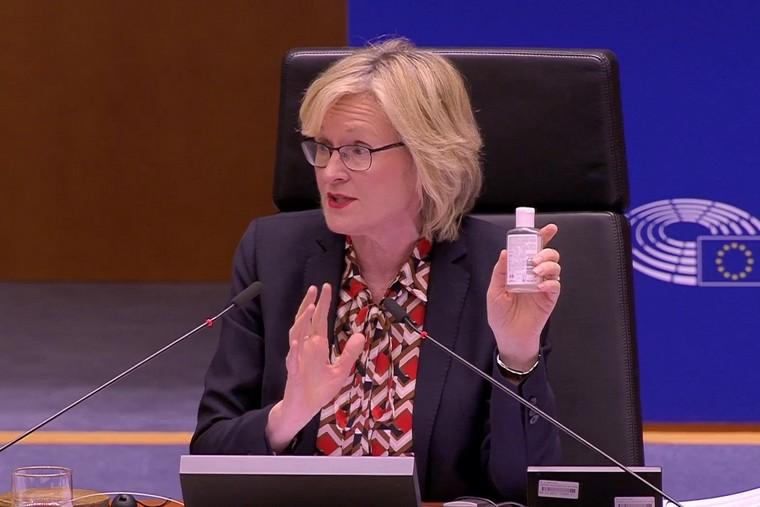 Mardi 10 mars, la vice-présidente du Parlement européen Mairead McGuinness a rappelé les consignes d'hygiène à respecter au Parlement européen face à l'épidémie du Covid-19 - Crédits : Copie écran / Parlement européen