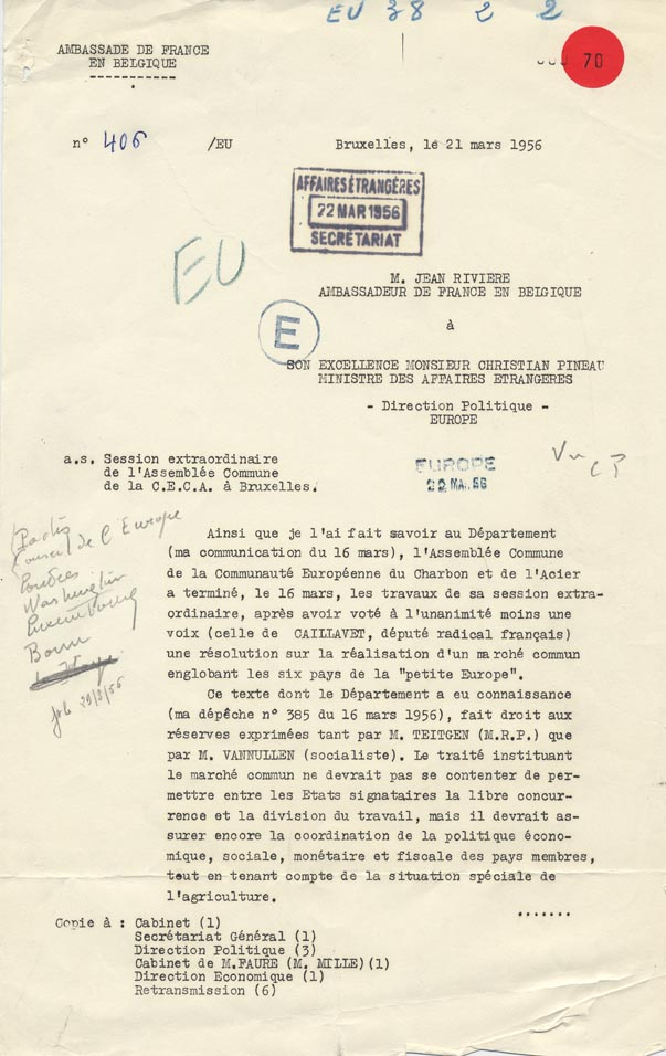 Dépêche de l'ambassadeur de France à Bruxelles rendant compte des débats de l'assemblée commune de la Communauté européenne du charbon et de l'acier. Bruxelles, 21 mars 1956.
