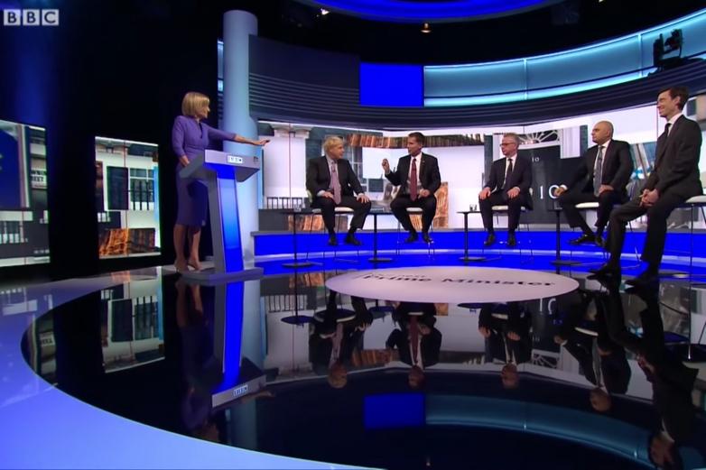 De gauche à droite : Boris Johnson, Jeremy Hunt, Michael Gove, Sajid Javid et Rory Stewart au cours d'un débat télévisé sur la BBC le 18 juin - Crédits : YouTube / BBC