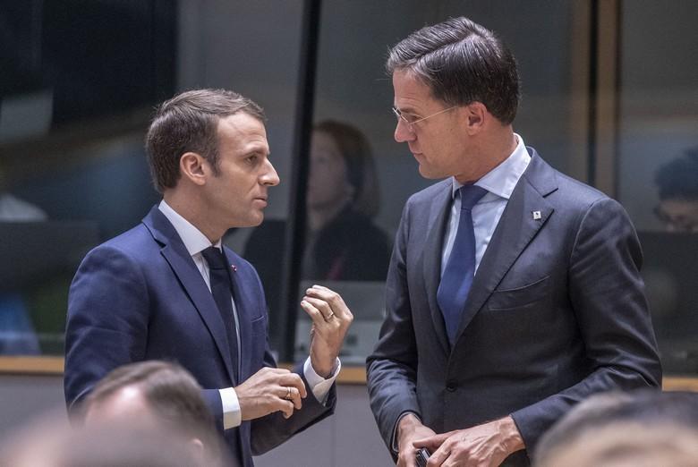 Le président français Emmanuel Macron et le Premier ministre néerlandais Mark Rutte se sont rencontrés mardi 23 juin pour discuter du plan de relance européen. Ici, lors d'un Conseil européen en 2018