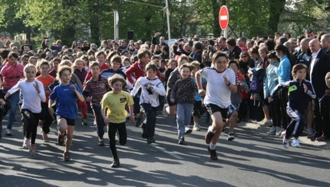 Paren'dix course enfants  © Ville de Parentis