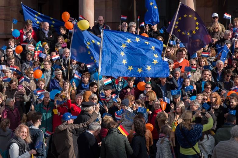 Une manifestations en faveur de l'Union européenne, dans la région de Hesse (Allemagne) en mars 2017 - Crédits : Martin Kraft / Flickr