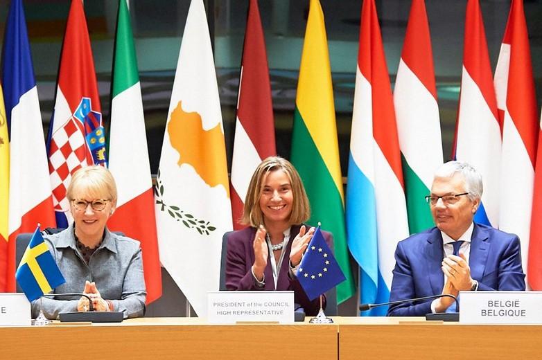 europe défense mogherini conseil affaires étrangères (de gauche à droite)