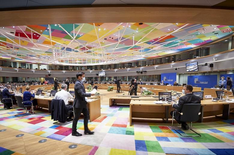 Au Conseil européen, les décisions sont prises par consensus, sauf dans de rares cas précisés dans les traités