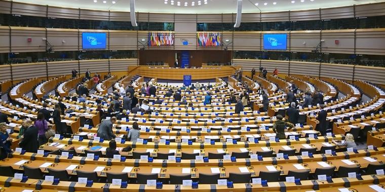 Hémicycle du Parlement européen à Bruxelles - Crédits : Crédits : Treehill / Wikimedia Commons