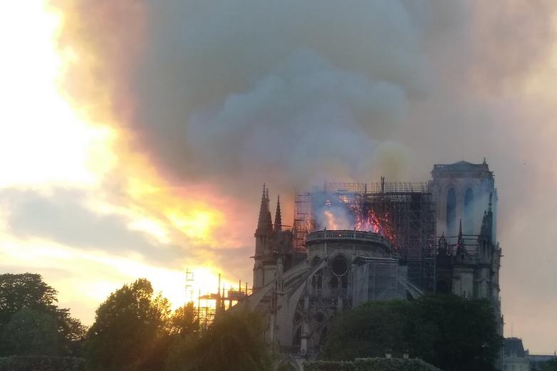 Notre-Dame ravagée par les flammes le 15 avril 2019 - Crédits : Remi Mathis / Wikimedia Commons CC BY-SA 4.0