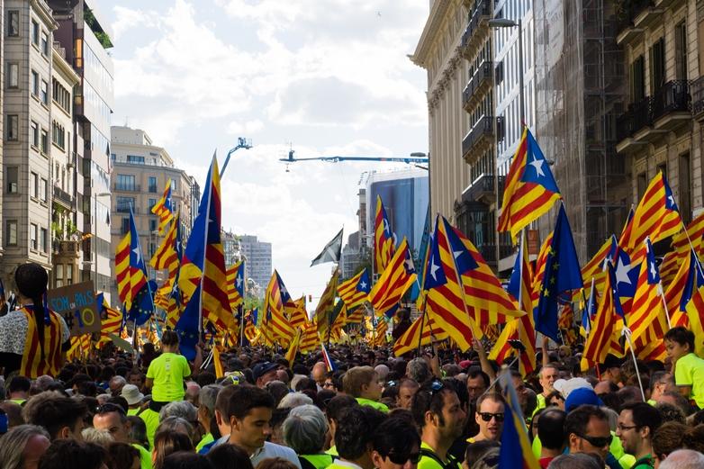 Indépendantistes catalans à Barcelone le 11 septembre 2017 - Crédits : Màrius Montón / Wikimedia Commons