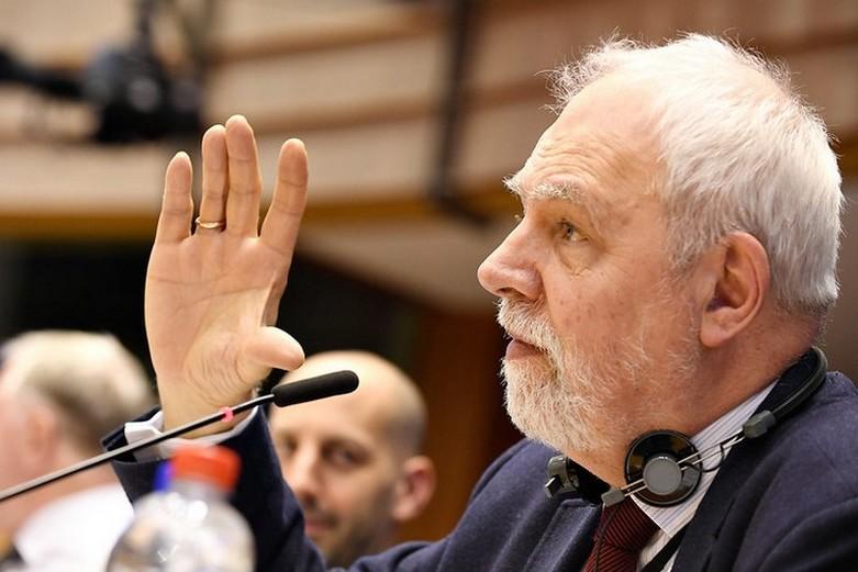 Jan Olbrycht, eurodéputé, co-rapporteur sur le projet de CFP 2021-2027 (2018) - Crédits : Comité européen des régions / Flickr CC BY-NC-SA 2.0