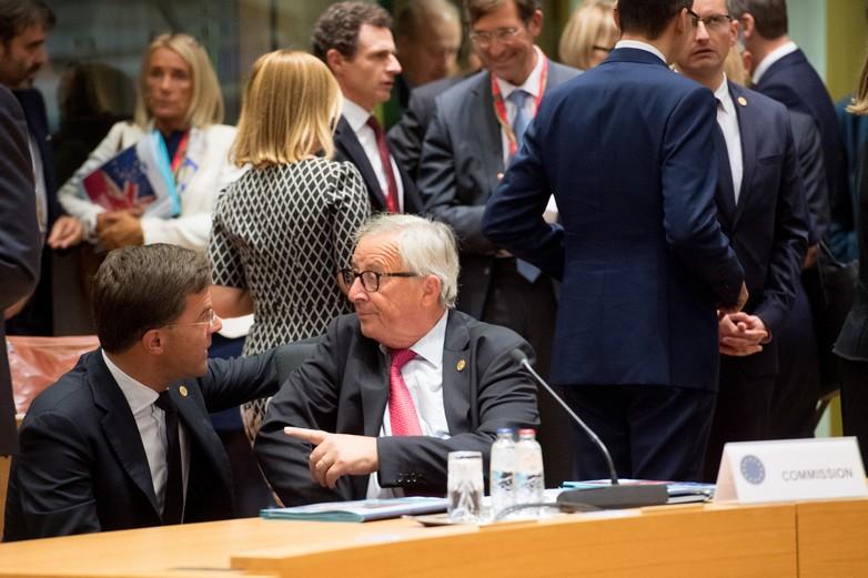 Mark Rutte et Jean-Claude Juncker au Conseil européen