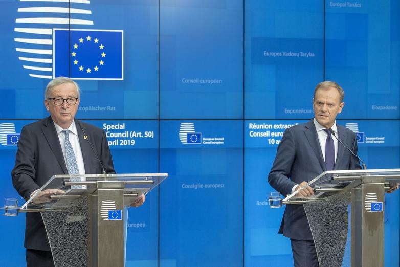Le président de la Commission européenne, Jean-Claude Juncker, et le président du Conseil européen Donald Tusk, à Bruxelles après le sommet extraordinaire du 10 avril - Crédits : Enzo Zucchi / Conseil européen