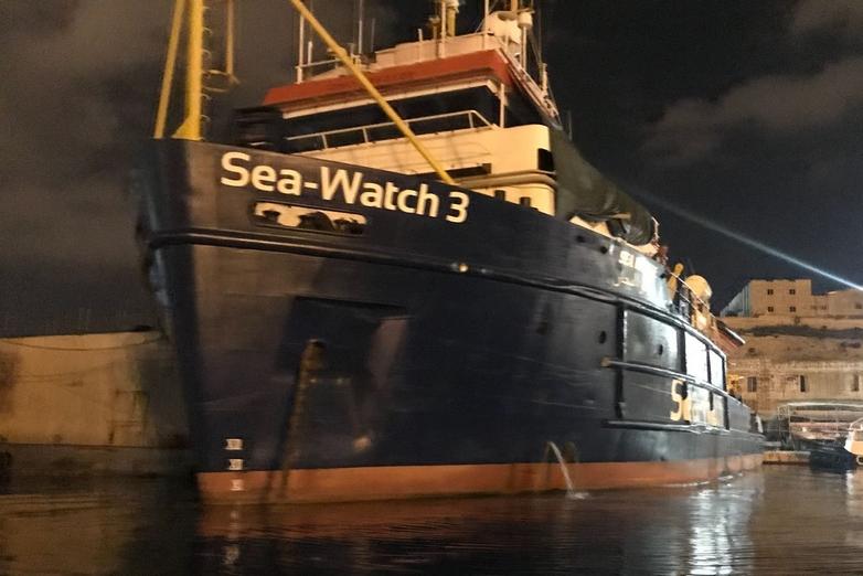 Le Sea-Watch 3, dans lequel 32 migrants sont actuellement bloqués - Crédits :  Sinn Féin / Flickr