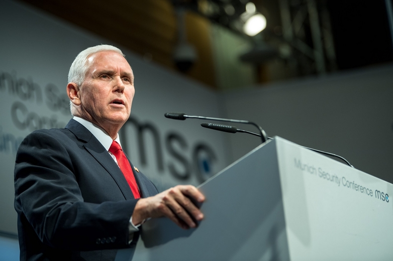 Le vice-président américain Mike Pence au cours de son discours le 16 février à Munich - Crédits : compte Twitter @MunSecConf