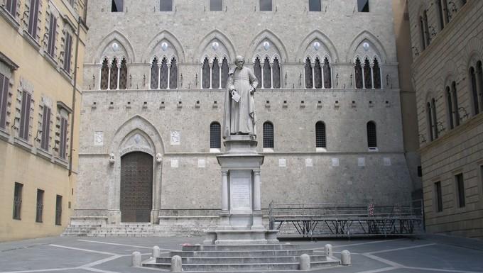 Siège social de la banque Monte dei Paschi à Sienne (Italie)