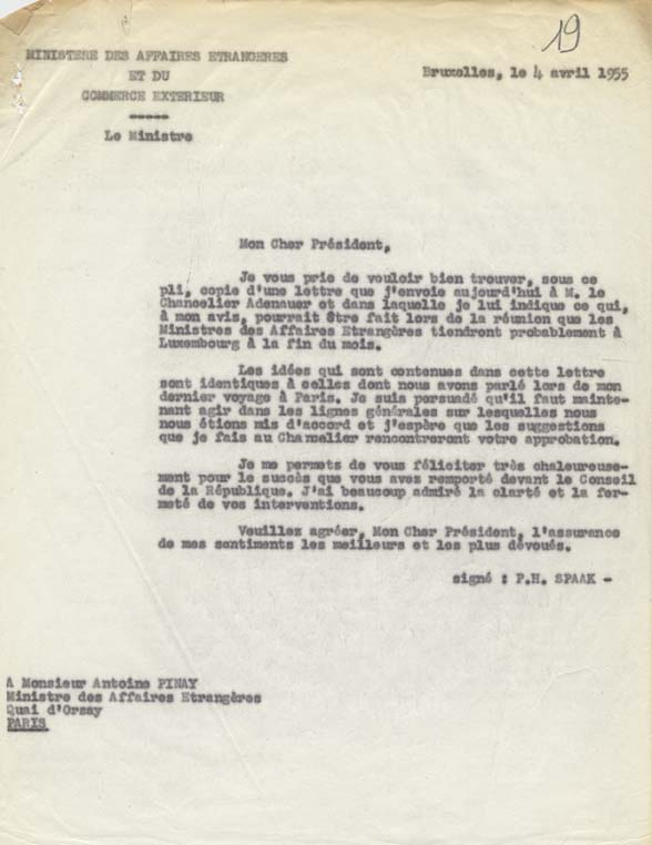 Télégramme concernant l'envoi à Antoine Pinay de la copie d'une lettre de Paul-Henri Spaak au chancelier Adenauer à propos de la réunion des Six prévue pour fin avril. Bruxelles, 4 avril 1955