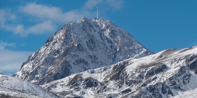 Le pic du Midi (2 876 m, Hautes-Pyrénées), un mont emblématique des Pyrénées – Crédits : philipimage / iStock
