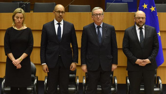 Participation de Jean-Claude Juncker, président de la CE, et Federica Mogherini, vice-présidente de la CE, à la cérémonie commémorative organisée au PE en hommage aux victimes des attentats terroristes à Paris