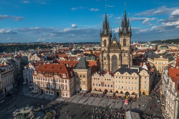 La place de la Vieille-Ville à Prague