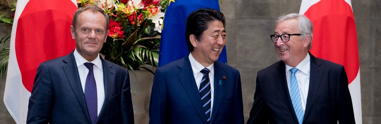 Donald Tusk, Shinzo Abe et Jean-Claude Juncker au sommet UE-Japon