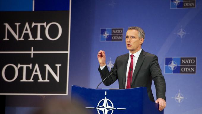 Le secrétaire général de l'OTAN à la réunion des ministres européens de la Défense © OTAN