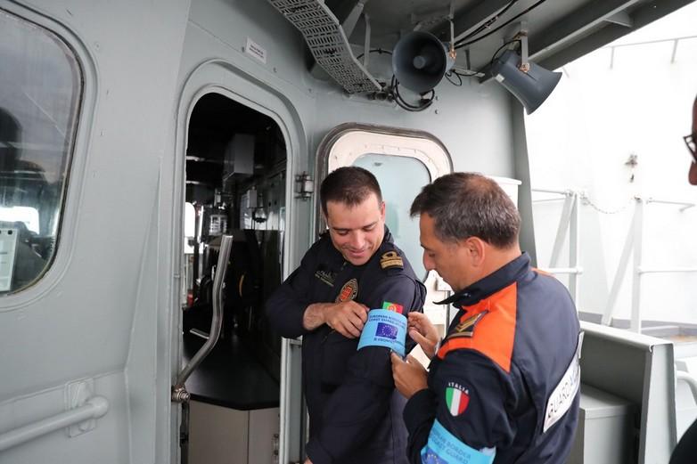 Ces agents italien et portugais participent à l'opération Themis, lancée par Frontex en février 2018 - Crédits : DR / Frontex