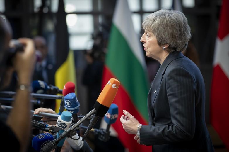 Theresa May s'adresse à la presse à son arrivée au Conseil européen, le 13 décembre - Crédits : European Union