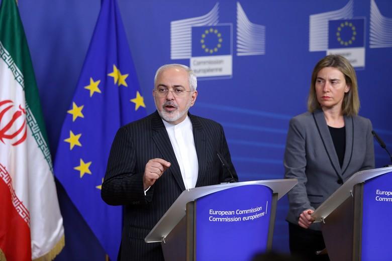 Mohammed Javad Zarif, le ministre iranien des Affaires étrangères et  Federica Mogherini, vice-présidente de la Commission.