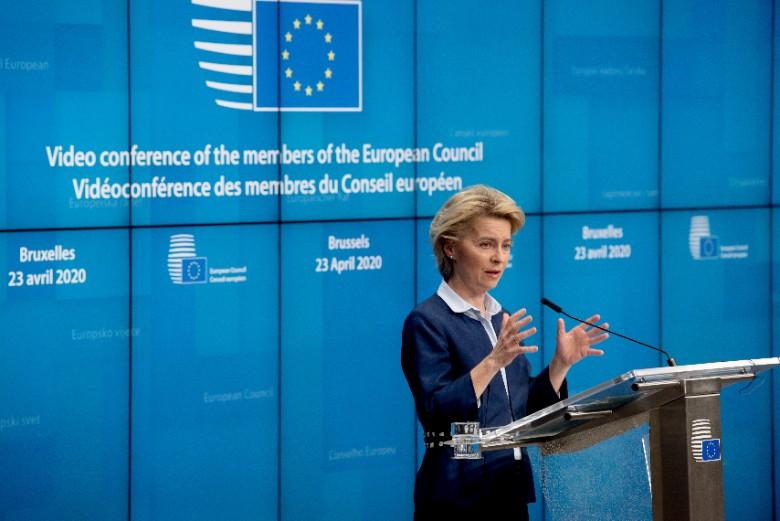 Dimanche 10 mai, la présidente de la Commission européenne Ursula von der Leyen a contesté une récente décision de la Cour constitutionnelle allemande. Quelques jours plus tôt, celle-ci avait critiqué la politique d'aide de la Banque centrale européenne (BCE), pourtant validée par la Cour de justice de l'Union européenne (CJUE)