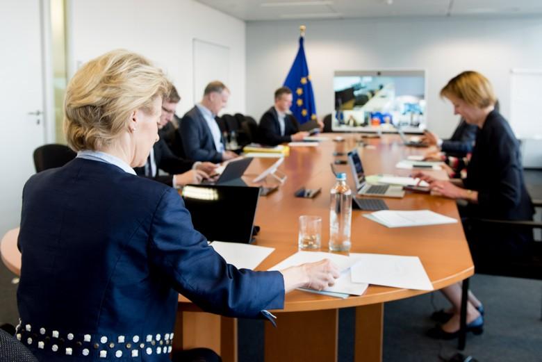 Aux côtés des Etats membres, la Commission européenne poursuit son action pour faire face à la crise actuelle