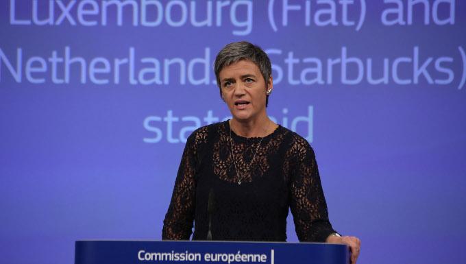 Conférence de presse de Margrethe Vestager, membre de la CE chargée de la Concurrence sur la décision de la CE que le Luxembourg et les Pays Bas ont accordé des avantages fiscaux sélectifs respectivement à Fiat Finance and Trade et à Starbucks.