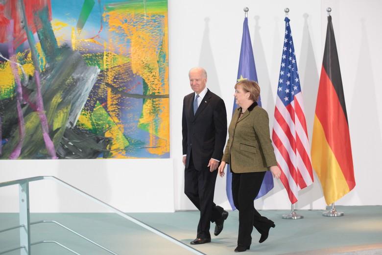 La chancelière allemande Angela Merkel figure parmi les nombreux dirigeants européens à avoir salué la victoire de Joe Biden lors de l'élection présidentielle américaine