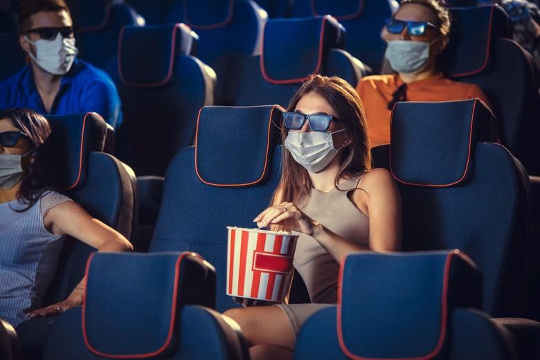 Au cinéma comme ailleurs, le port du masque et le respect de la distanciation sociale est une condition nécessaire à la réouverture des lieux culturels