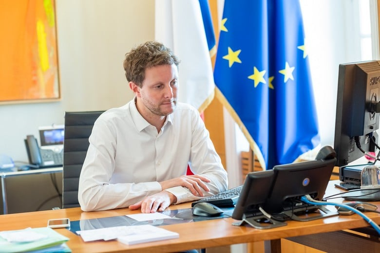 Dans un entretien à Ouest-France, le secrétaire d'Etat aux Affaires européennes Clément Beaune a expliqué comment l'Union européenne soutenait le plan de relance français