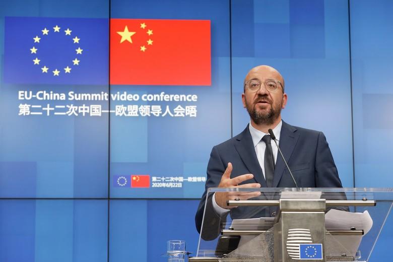 Les dirigeants de l'Union européenne et la Chine se réunissent ce lundi 14 septembre en visioconférence pour définir les relations sino-européennes. Ici, le président du Conseil européen Charles Michel lors du sommet UE-Chine du 22 juin 2020