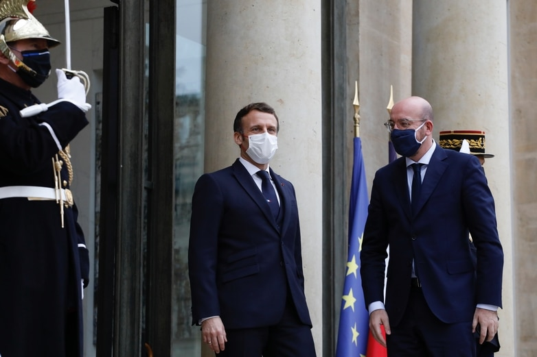Cas contact d'Emmanuel Macron lors de sa visite à Paris, lundi 14 décembre, à l'occasion du soixantième anniversaire de l'OCDE, le président du Conseil européen Charles Michel a dû également s'isoler - Crédits :  Dario Pignatelli / Conseil européen