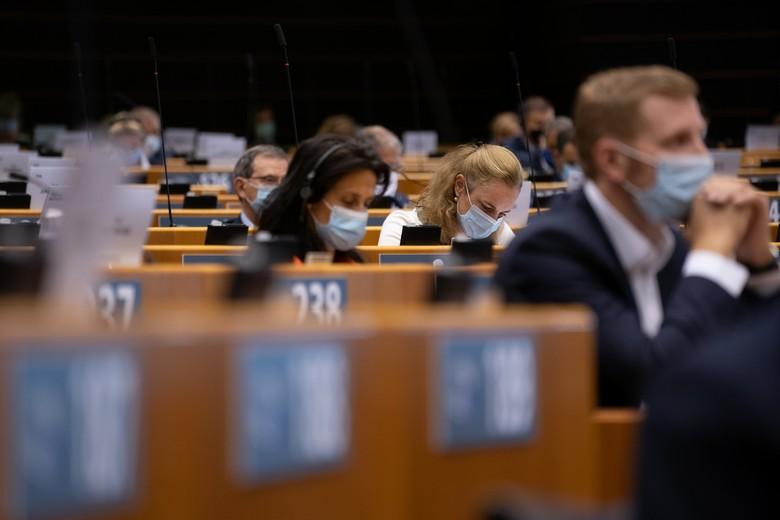 Jeudi 17 septembre, les députés européens ont adopté une résolution pointant du doigt les manquements au respect de l'état de droit et de la démocratie en Pologne
