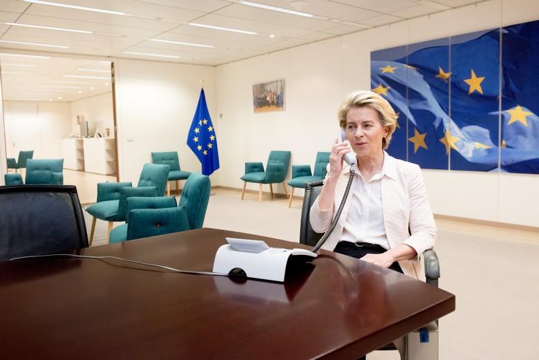 La présidente de la Commission européenne Ursula von der Leyen doit de nouveau faire le point au téléphone avec le Premier ministre britannique lundi soir
